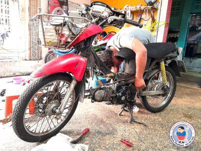 motorbike mechanic